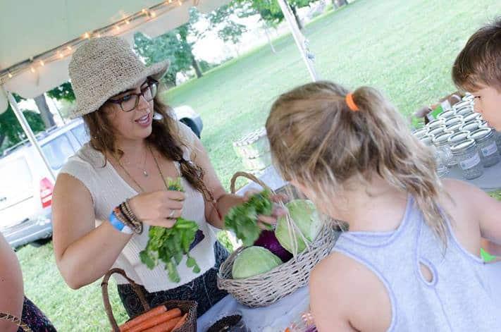 JOFEE Fellow Shani Mink from Pushing the Envelope Farm shares pickling secrets / JCC Chicago